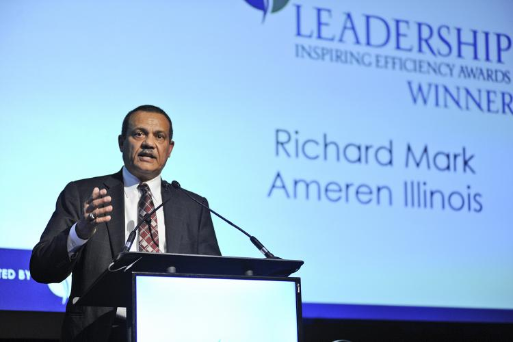 Richard Mark Receiving the 2019 Leadership Award
