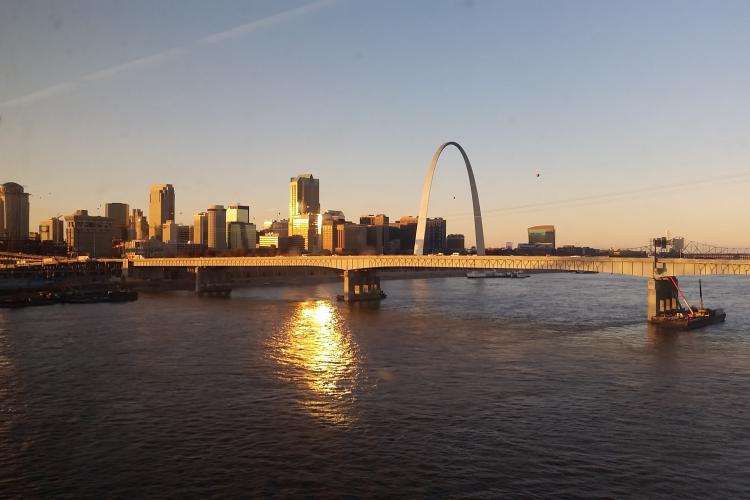 sunrise on the st. louis arch