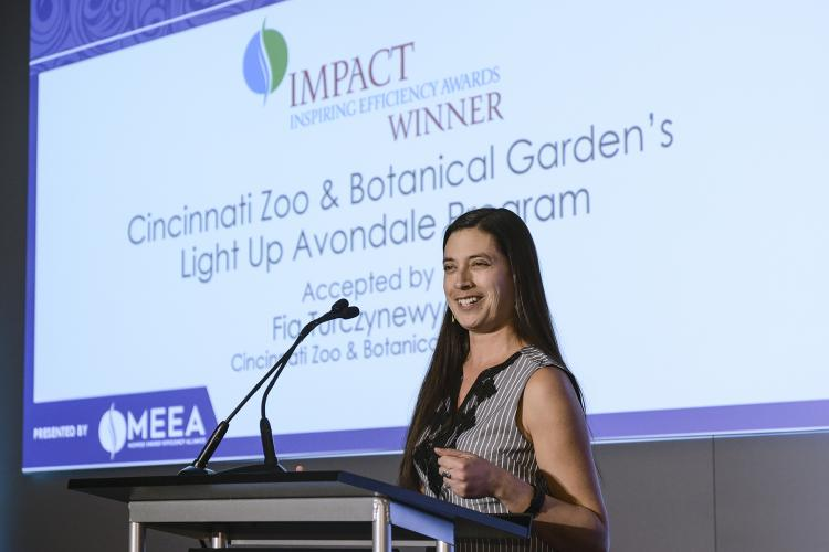 Fia Turczynewycz accepts Impact Award on behalf of the Cincinnati Zoo & Botanical Garden